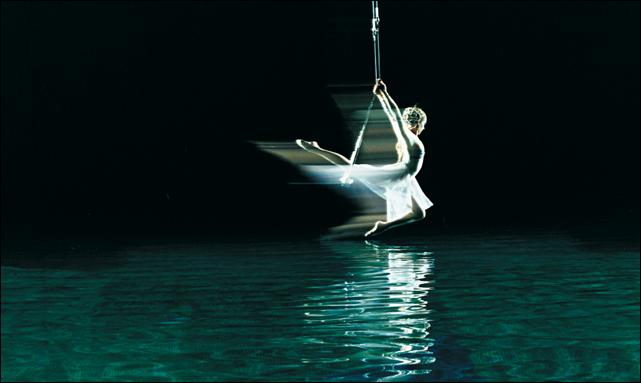 cirque o trapeze (cirque du soleil)