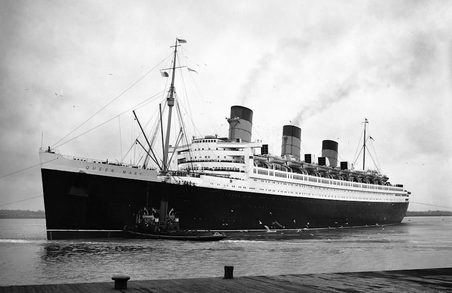 rms queen mary historical photo