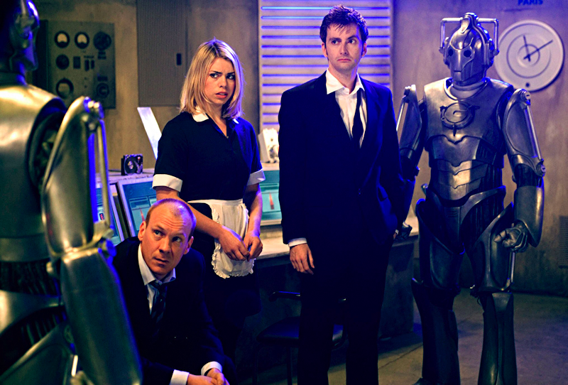 DAVID TENNANT as The Doctor, BILLIE PIPER as  Rose, SHAUN DINGWALL as Pete Tyler and the  CYBERMEN
