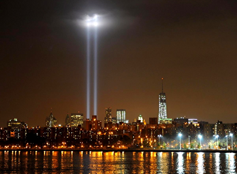 911 tribute light nyc skyline