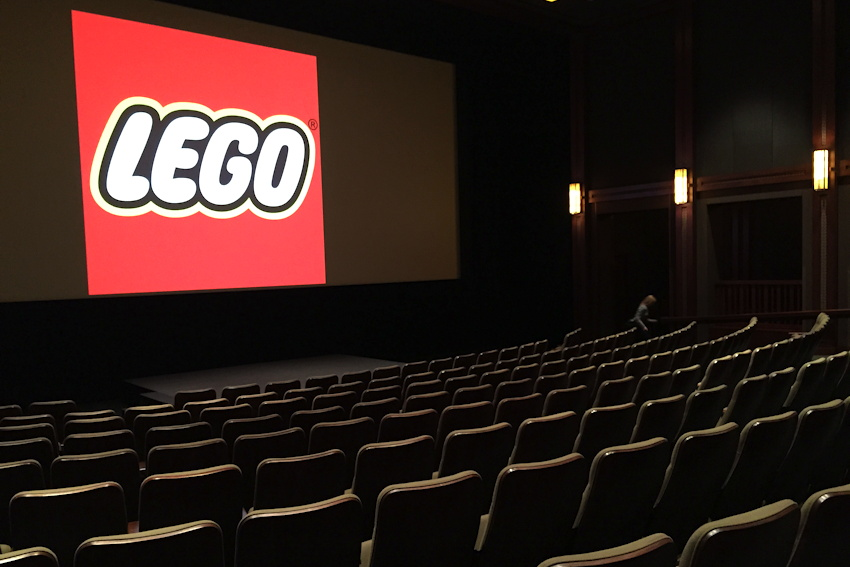 lucasfilm-theater-with-lego