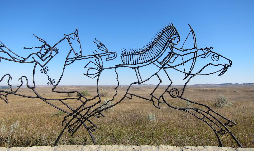 indian memorial sculpture, little bighorn montana