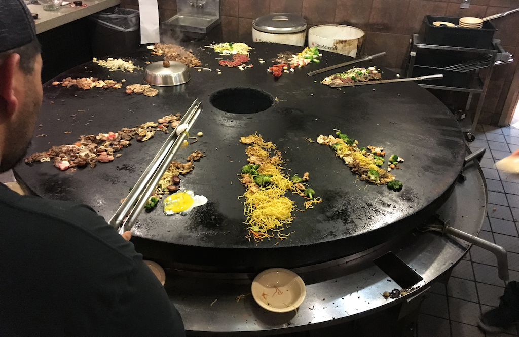 grill in action, bd's mongolian bbq