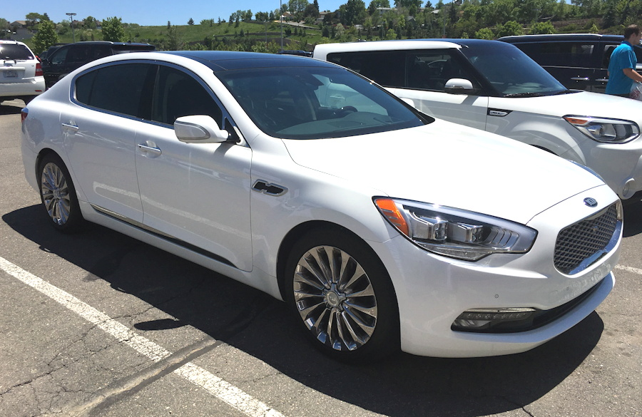 2016 kia k900 sedan, white, exterior