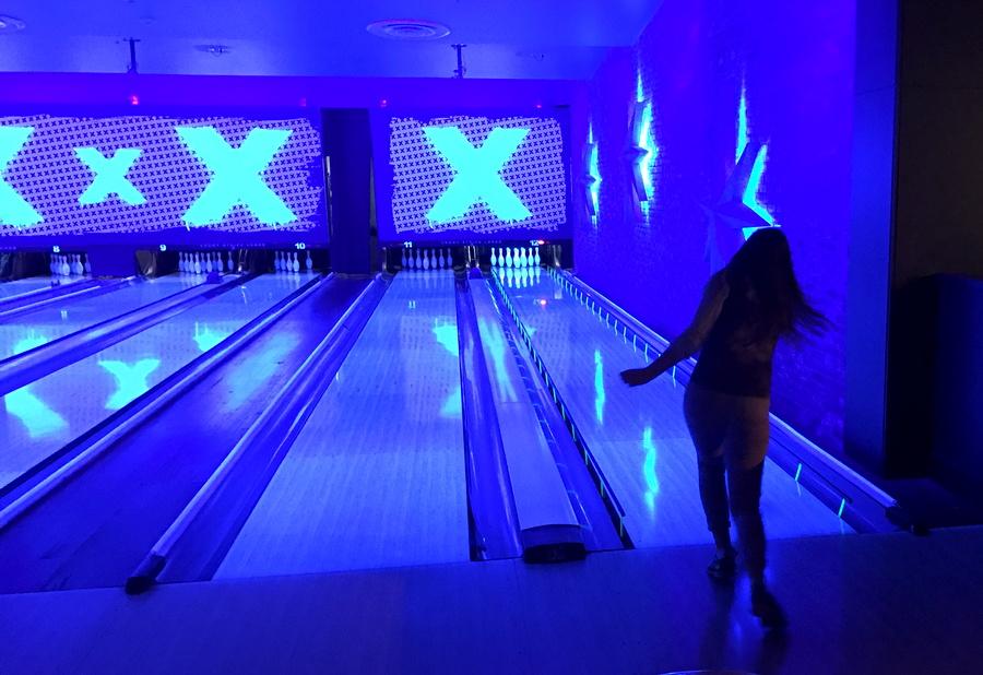 girl bowling, lucky strike lanes, denver