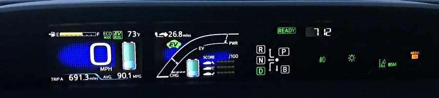 2017 toyota prius prime plug-in hybrid dash display