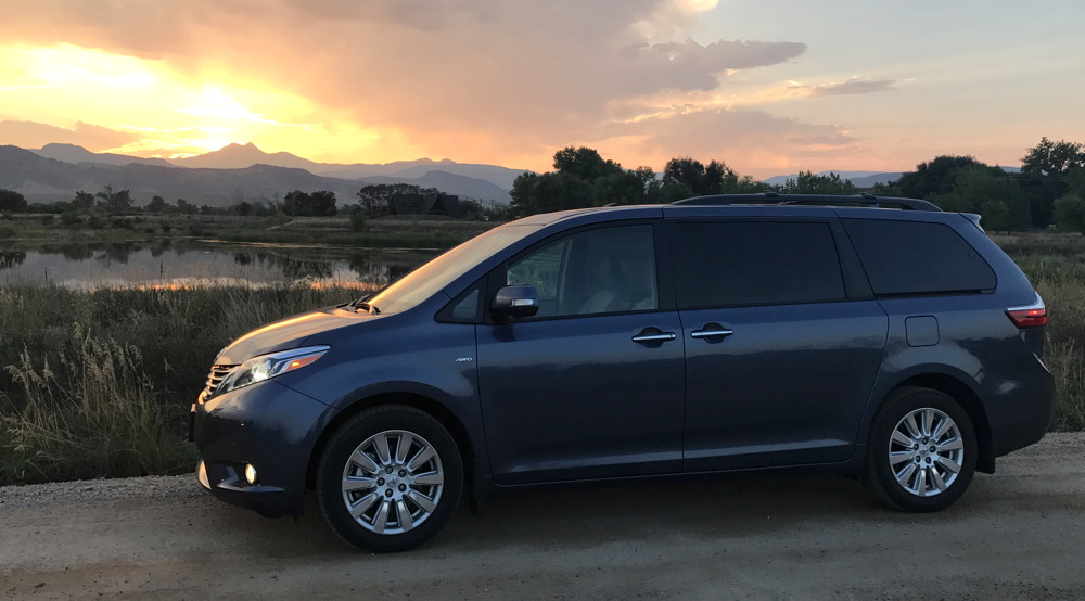 2017 toyota sienna ltd premium awd exterior