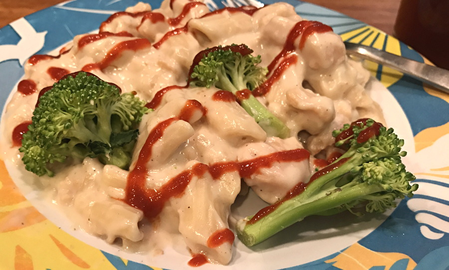 chicken alfredo + hot sauce and broccoli - nutrisystem