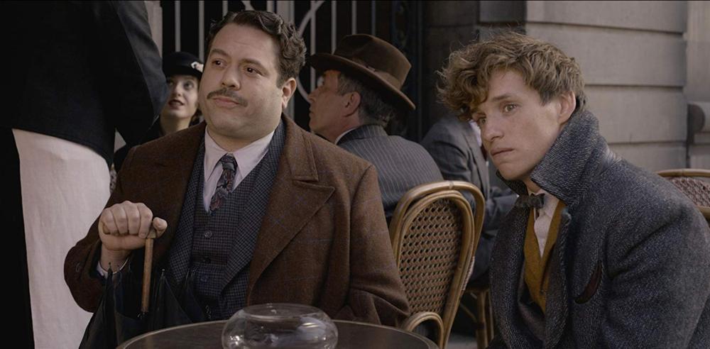 """Kowalski (Dan Fogler) and Scamander (Eddie Redmayne) from """"Fantastic Beasts: The Crimes of Grindelwald"""""""