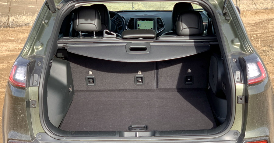 2019 jeep cherokee trailhawk rear hatch space