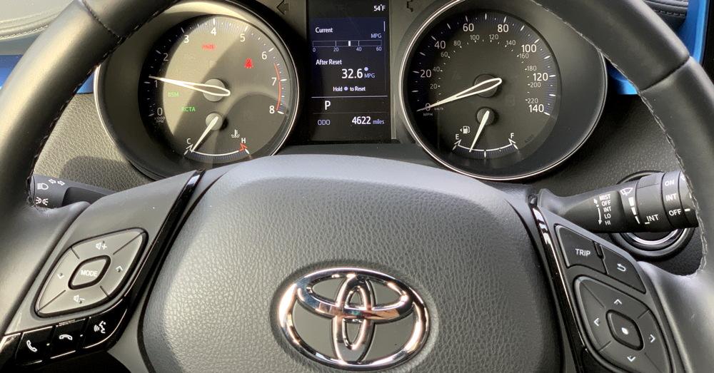 2019 toyota c-hr front gauge layout