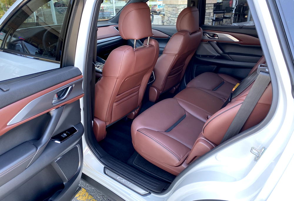 2019 mazda cx-9 signature back seat legroom