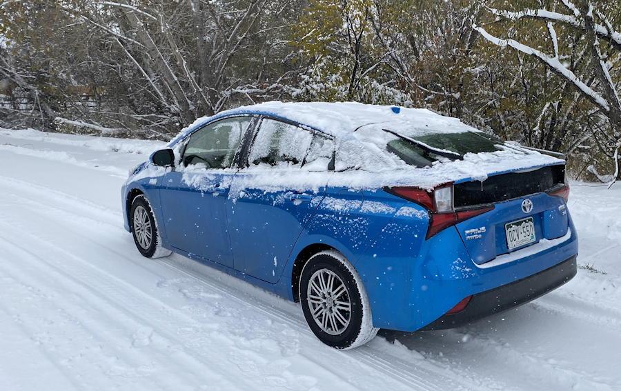 2019 toyota prius xle awd rear view snow