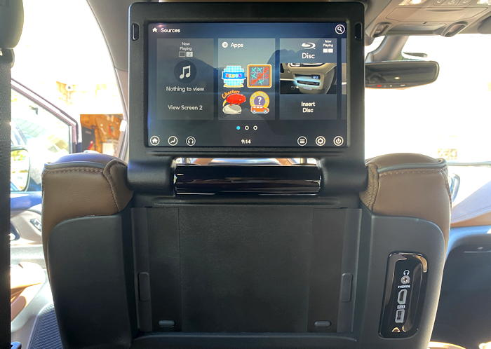 2019 chrysler pacifica plug-in hybrid limited - rear passenger entertainment screen