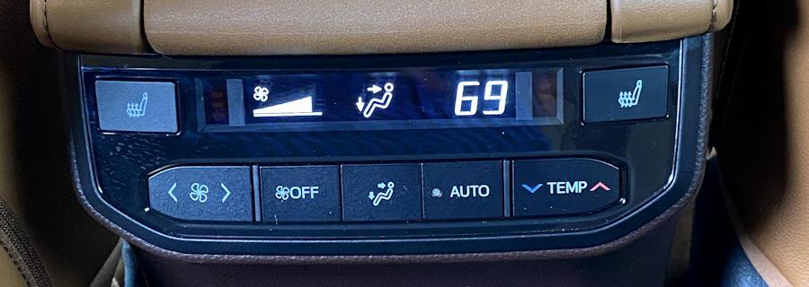 2020 toyota highlander hybrid ltd - rear passenger environment controls