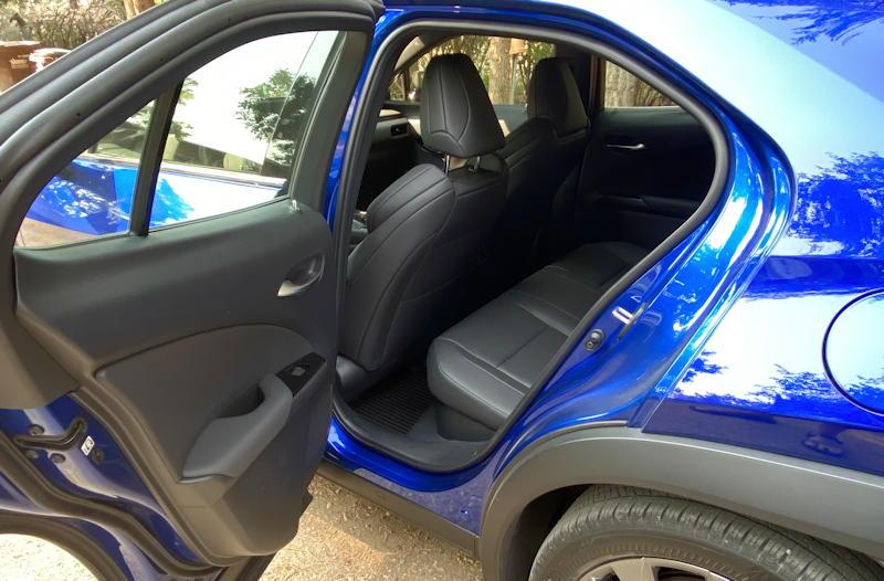 2020 lexus ux 250h f sport - back seat legroom
