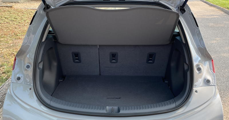 2020 chevy bolt ev premium - rear cargo space