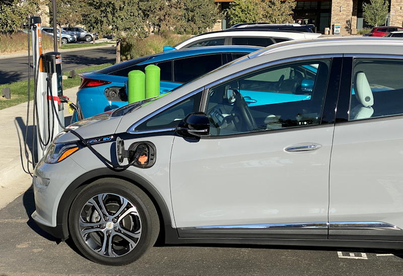 2020 chevy bolt ev premium - charging at public plug station