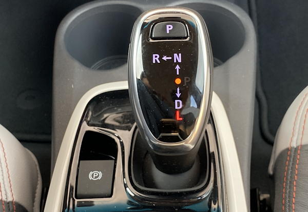 "2020 chevy bolt ev premium - gear shift with ""L"""