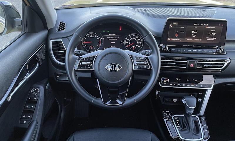 2021 kia seltos sx turbo awd - front dash