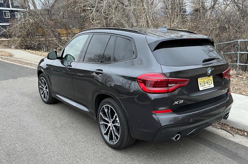 2020 BMW x3 xDrive30e - exterior rear