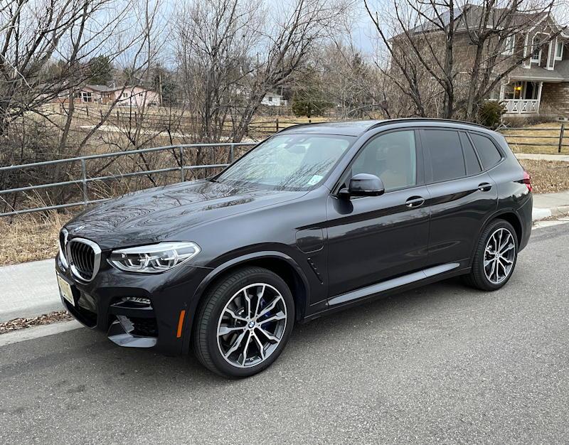 2020 BMW x3 xDrive30e - exterior front