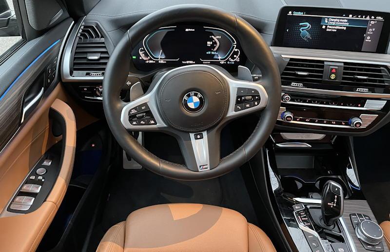 2020 BMW x3 xDrive30e - interior dashboard