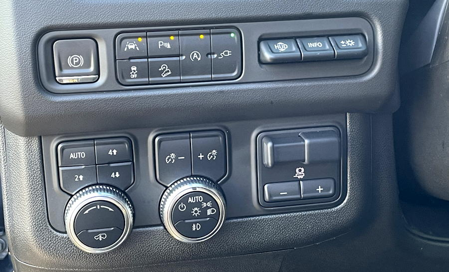 2021 GMC Yukon 4WD AT4 controls left of steering wheel