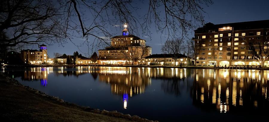 the broadmoor hotel colorado springs night reflection lake