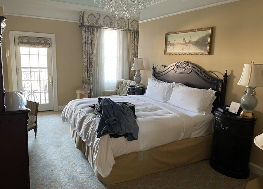 the broadmoor - one bedroom suite