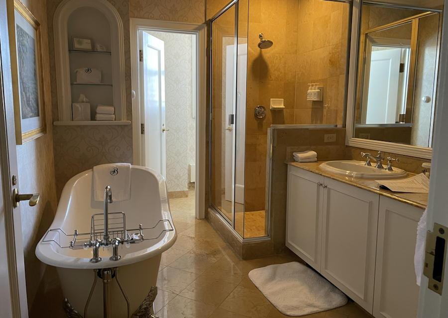 the broadmoor - one room suite - bathroom