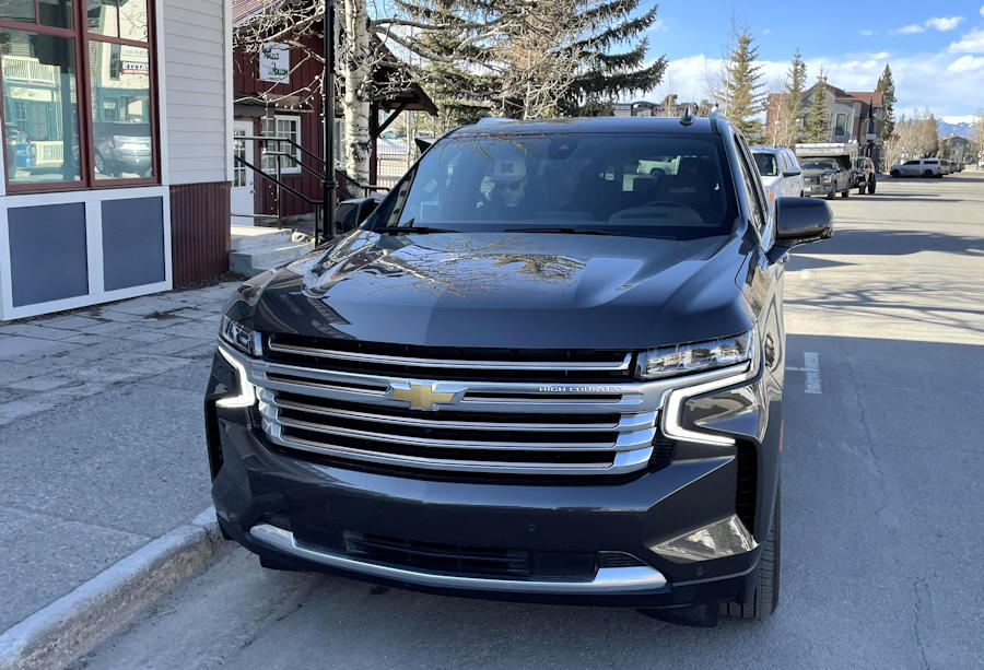2021 chevy suburban 4wd high country edition - front exterior