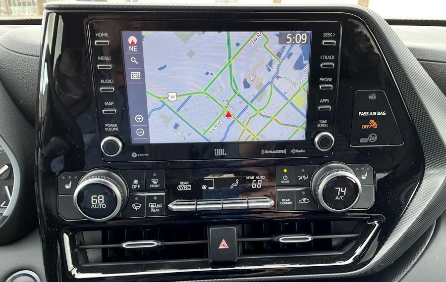 2021 toyota highlander xse - infotainment and environmental controls dash dashboard