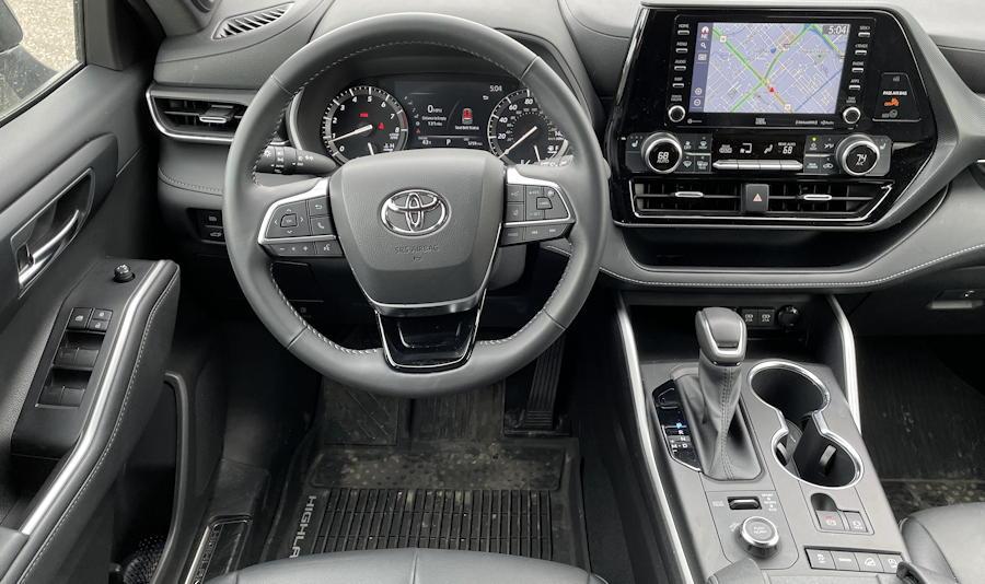 2021 toyota highlander xse - front dashboard cockpit