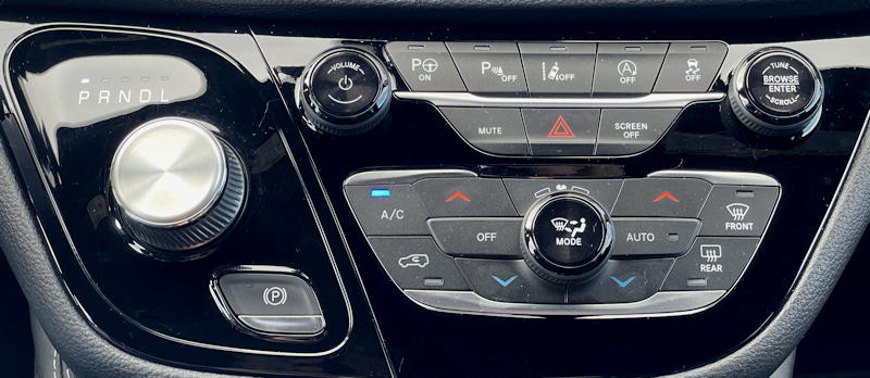 2021 Chrysler Pacifica Limited AWD - gear climate controls