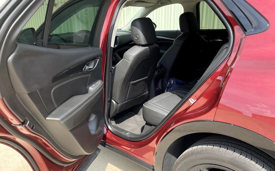 2021 buick envision essence fwd - rear passenger legroom