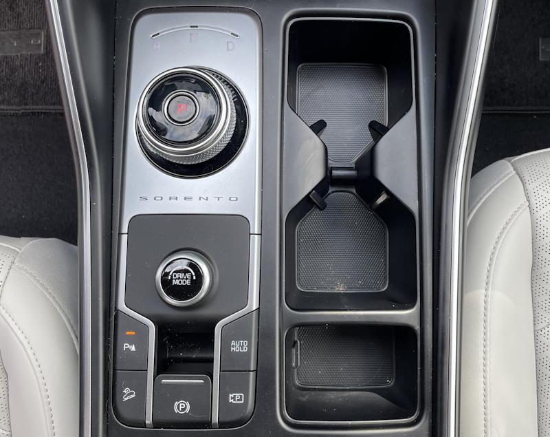 2021 kia sorento hybrid ex - center console gear shift knob