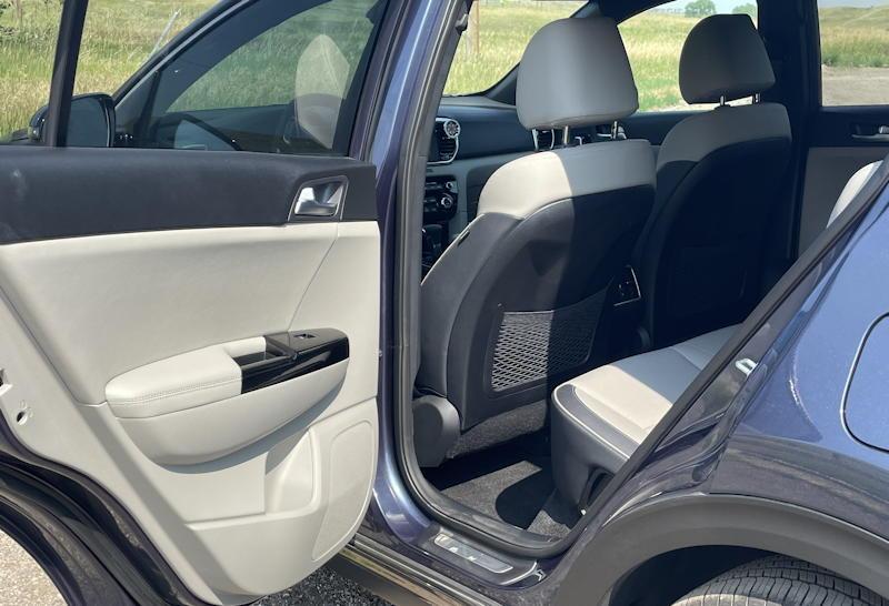 2020 Kia Sportage SX AWD - leg room