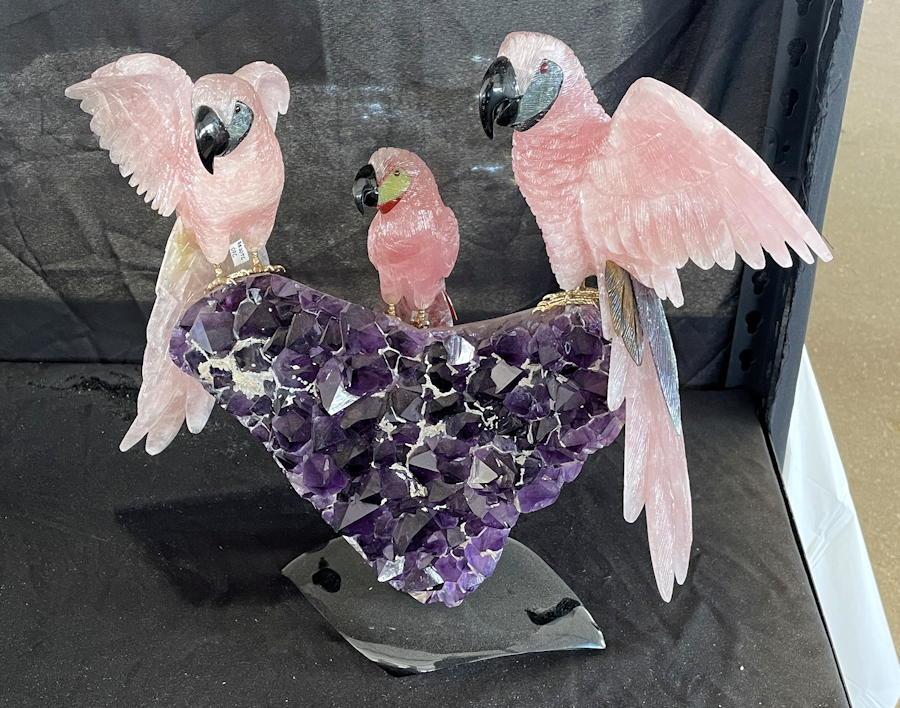 denver mineral, fossil, gem and mineral show denver 2021 - bird sculpture gems