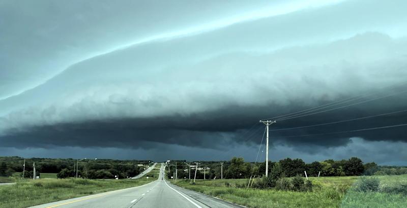 storm front over kansas city clouds